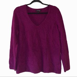 41 Hawthorn 100% cashmere plum v neck sweater. L